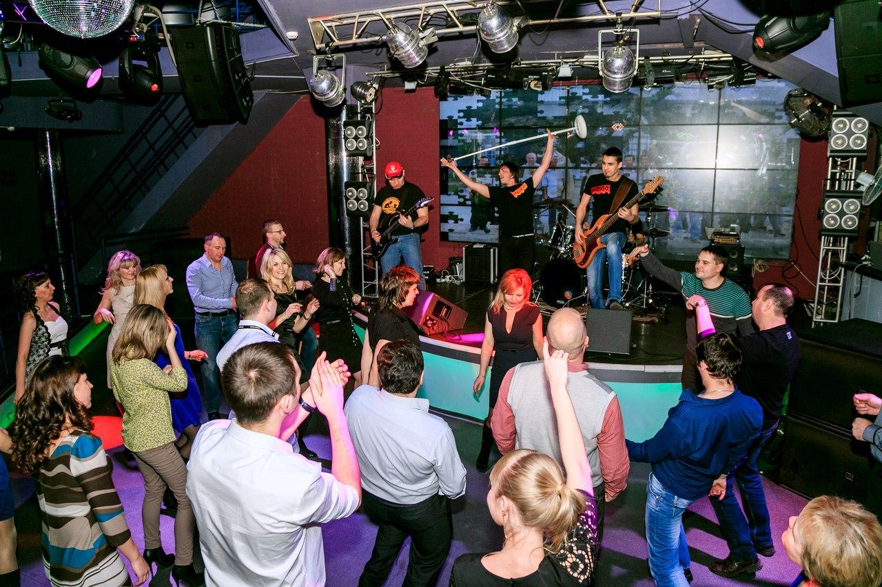 Для вечеринки в стиле Рок пригласите классных музыкантов!